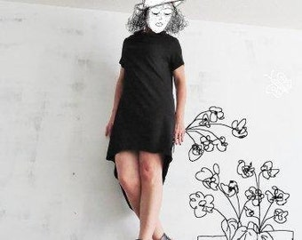 Black Dress with short sleeves and a wide turtleneck