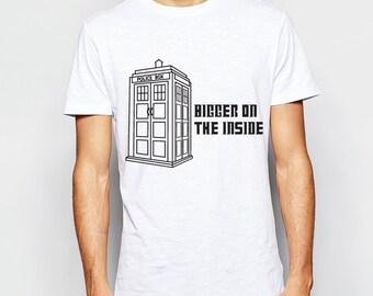 Bigger on the Inside - Doctor Who - Tardis - T Shirt
