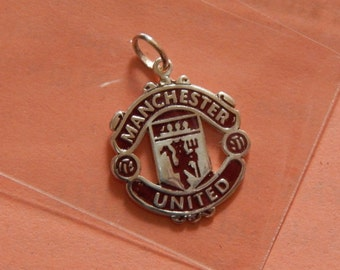 Manchester united 925 silver pendant with dark red enamel