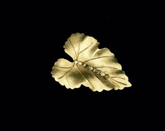 40's Gold and Rhinestone Leaf Brooch    VG2440