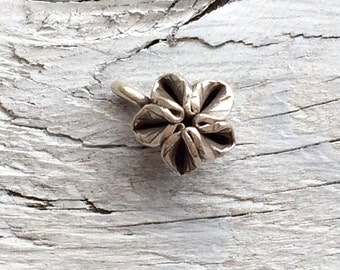 Hill Tribe silver flower charm 10mm