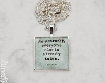 """Oscar Wilde Quote """"Be yourself"""" vintage quotes litarature London Writer Necklace Fashion Jewelry Pendant Glasscabochon Handmade"""