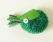 Nautilus Brooch #21 (green) - plush pin creature toy nuigurumi nature amigurumi ocean sea creature knitted yarn wool
