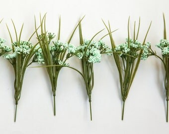 7 Wild Berry Stems in Light Mint Green - Floral Crown Supplies - Artificial Flowers - ITEM 0330