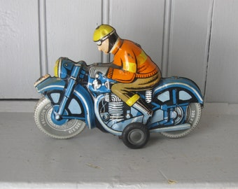 60s 70s Ballon Cordatic Litho Painted Tin Motorcycle Man Friction Toy Hungary
