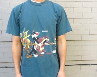 90's LOONEY TUNES MINNESOTA vintage tee // authentic t shirt // size l // men's looney tunes // minnesota souvenir // cotton // man crush