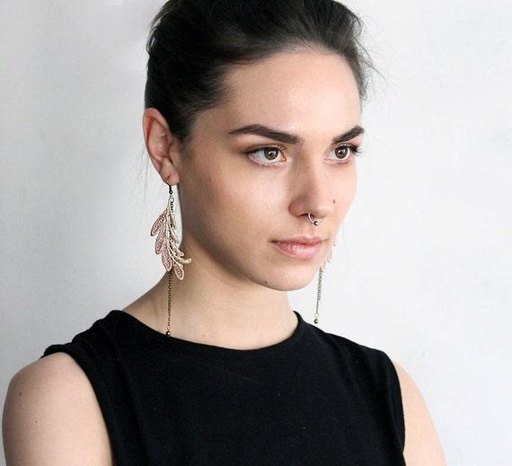 lace earrings ombre taupe pink // ELSA // leaf,  feather, festival earrings,  boho chic, long earrings, modern , tribal