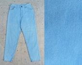 vintage c. 1980s robin's egg blue high waist Wrangler jeans m 8
