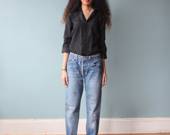levis distressed boyfriend jeans / levi 501 button fly jeans / 1980s / small-medium