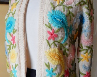 Gorgeous COLORFUL 50s CREWEL EMBROIDERED Open Wool Cardigan Sweater Cynles British Hong Kong Silk Lining