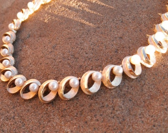 Vintage Trifari Pearl in Loop Mid Century Necklace with Metal Hang-tag