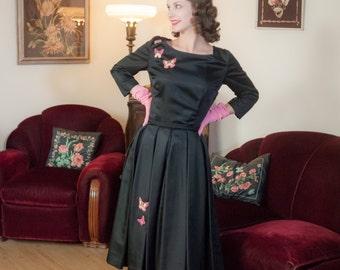 Vintage 1950s Dress - Fabulous Black Taffeta Beaded Butterflies Novelty 50s Party Dress with Full Pleated Skirt