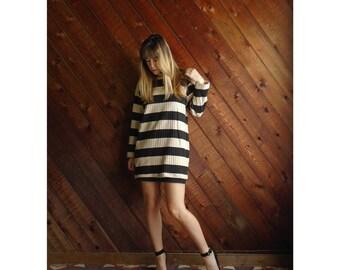 extra 25% off SALE ... Ribbed Black Striped Mini Tunic Dress - Vintage 90s - MEDIUM M
