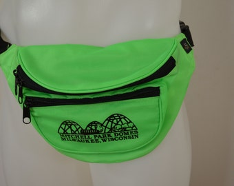 Vintage MITCHELL PARK DOMES Milwaukee Wisconsin Fanny Pack neon green nylon 3 pockets