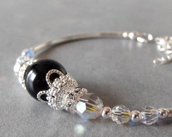 Black Pearl Bracelet Bridesmaid Jewelry Formal Occasion Beaded Swarovski Pearl and Crystal Prom Jewelry Delicate Bracelet Maid of Honor Gift