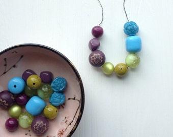 fiddlesticks necklace - vintage lucite
