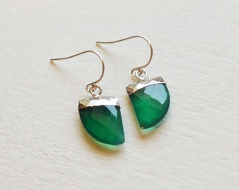 Modern Flat Gemstone Gemstone Tooth Earrings, Sterling Silver and Green Onyx