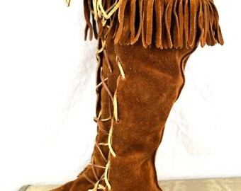 Awesome Minnetonka Vintage Fringe Suede Tall Moccasins Boots - Size 8