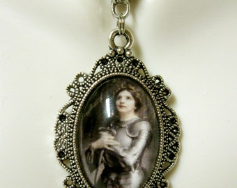 Saint Joan of Arc pendant with chain - AP04-171