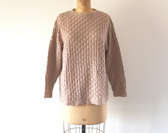 Textured 3D Top Vintage 1980s Futuristic Pullover Sweatshirt Tan Quilted Oversized Shirt
