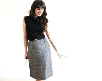 Vintage Houndstooth Skirt / 1960s Black and White Plaid Wool Pencil Skirt