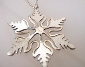 Sterling Silver Snowflake necklace, snowflake necklace gift, Snowflake pendant, Christmas jewelry
