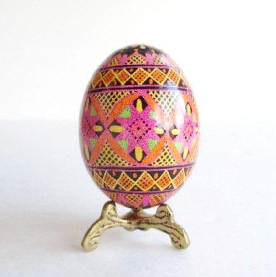Pink Pysanka, Ukrainian Easter egg, hand pianted chicken egg shell