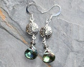 Sparkly Beach Earrings, Green Crystal Earrings, Ocean Earrings, Sea Earrings, Light Green Earrings, Summer Earrings, Handmade Earrings