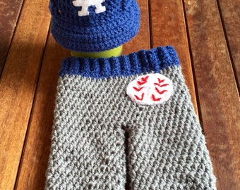 Newborn  baby LA Dodgers cap and pants set