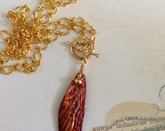 Dragonfly Wing Drop Gold Toggle Clasp Necklace