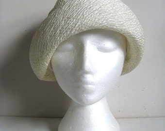 Vintage 60s Cream Cloche Vintage 1960s Great Gatsby Style Rayon Crinkle Hat