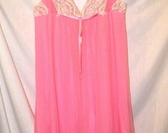 ALICE MALOOF. Lace and pink chiffon nightgown. Saks Fifth Avenue. sz M Beautiful!