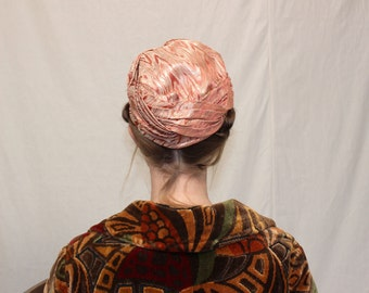Vintage VTG VG 1960's 60's 1970's 70's Glitzy and Glam Pink Turban with Sparkling Metallic Holidays Party Formal Hat Women's