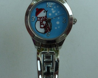 Snowman Analog Watch! Accutime Watch Corp! Silver Links! Blue Background! Snow Flakes! Snowman! Vintage Never Worn! Free S & H! On Sale Now!