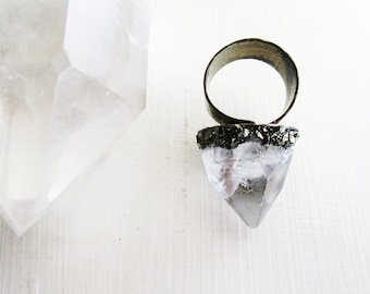 Apophyllite Crystal Pyramid Ring // Raw Crystal Edgy Statement Ring // Wild Child Jewelry