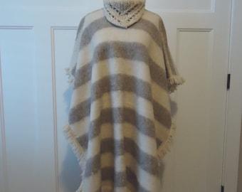 Vintage wool poncho, retro poncho, vintage coat, French vintage, Hippie, Boho, Wool Poncho