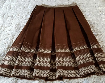 Vintage 1960s Bavarian Drndl Skirt. Shawl. Wool. 29 Waist.