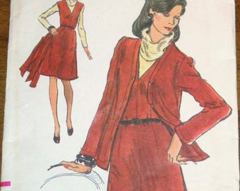 Vogue 8674 Cardigan Jacket, V-Neck A-Line Jumper Dress, Vintage 1970s Women's Very Easy Sewing Pattern Size 10 Bust 32 Uncut Factory Folds