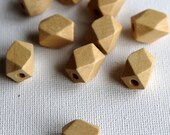 Wooden Geometric Polyhedron Faceted Bead x10 - Natural Wood - Small 13mm