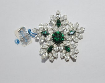 CORO Vintage Emerald and Clear Rhinestone Snowflake Sherman style Brooch new old stock