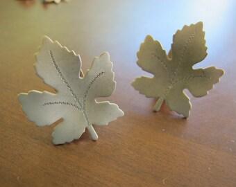 Maple leaf earrings / Etched gold tone earrings
