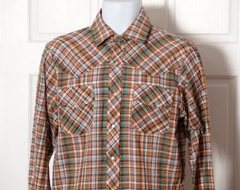 Vintage Men's Button Down Western Style Shirt - LEVI'S - pearl snap buttons - L