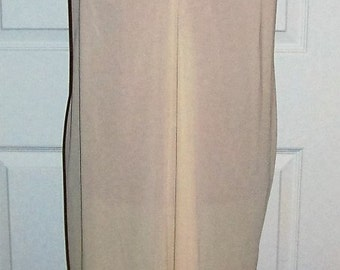 Vintage Ladies Beige Slip w/ Lace Trim by Vanity Fair Size 40 Only 6 USD