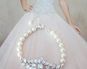 Pearl bracelet ~ AAA Cubic Zirconias ~ Brides bracelet ~ High quality ~ Wedding bracelet ~ Cubic Zirconias and pearls ~  Lux ~ LILLY