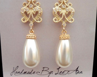 Gold pearl earrings ~ Filigree posts ~ Brides earrings ~ Swarovski pearl earrings ~ Bridesmaids ~ Wedding jewelry ~ Formal earrings