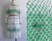 Vintage 70's Green Gradient Op Art Grid Print Shirt Dress M or L