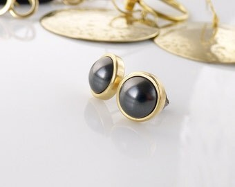 Black pearl stud earrings. Gold tone bras and Black Swarovski pearl. Gift idea for her.