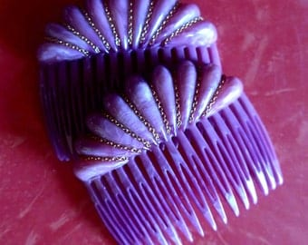 Great 1970's - 1980's Mauve Marbled Plastic Pair of Hair Combs, Shell Shape