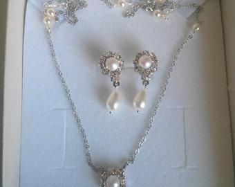 Bridal Silver necklace Ivory Pearl Set Wedding Earrings Silver Necklace Ivory Pearl Swarovski Rhinestone Vintage Wedding Necklace Drop Pearl