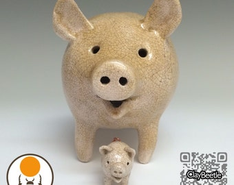 Momma Pig and Baby Piglet / collectible / ceramic pig / home decor / unique gift / pig lover / pig collector / pig collection